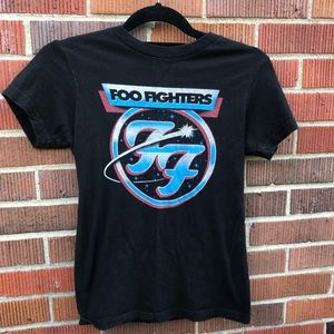 Tops - Vintage Foo Fighters XS Graphic Band Tee